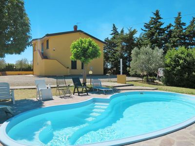 Photo for Beautiful apartment for 12 guests with private pool, WIFI, TV, pets allowed and parking