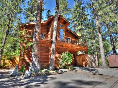 Photo for Pet Friendly Rocky Retreat with Hot tub, Spacious Backyard, 10 min from Incline