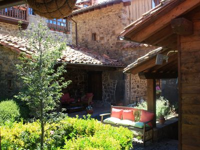 Photo for Cosy Apartment in historical house with Wi-Fi, Garden, Terrace and Pool