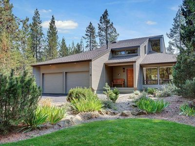 Photo for 3 Cultus Lane: 4 BR / 3 BA home in Sunriver, Sleeps 8