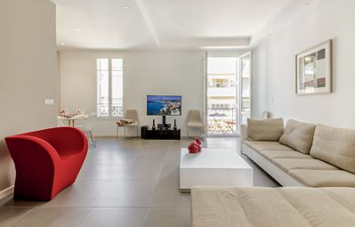 Photo for A fully renovated flat with charm at the very centre of Nice
