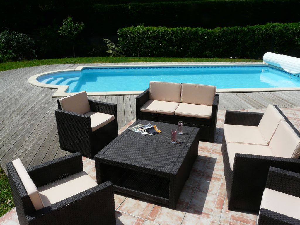 grande villa avec jardin piscine et pergola gironde 929867 abritel. Black Bedroom Furniture Sets. Home Design Ideas