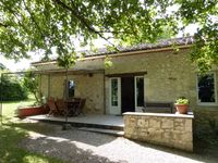 Comfortable gite in a good location. Just off the main road between Monflanquin and villeneuve.