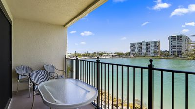 Photo for Land's End 5-305 Gulf View NEW LISTING Beautifully upgraded unit! WIFI POOL