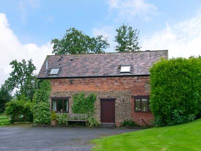Photo for THE OLD BARN, country holiday cottage in Bewdley, Ref 17612
