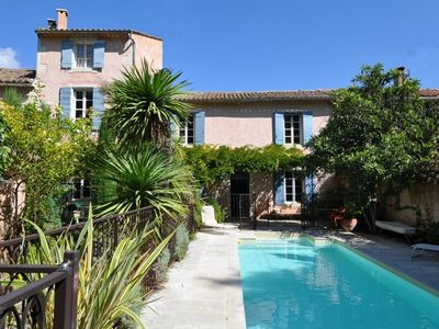 Photo for Big village house in Saint-Rémy-de-Provence