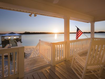 Beach Front South End, Designer Decorated, Dream Retreat on Tybee Island!