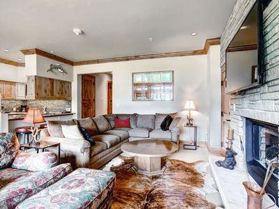 Photo for Ski-in/ski-out in the heart of Lionshead Village w/ shared pool & hot tub!