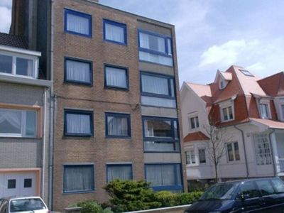 Photo for Apartment (4 p) directly on the sea and beach in Ostend