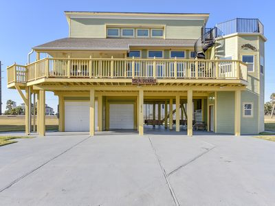 Photo for Indian Beach Sea Pearl is a 2nd row beach home, 6 bedrooms will accommodate up to 19 guests!