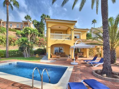 Photo for Villa with private swimming pool and view of golf course, sea and Mijas Costa