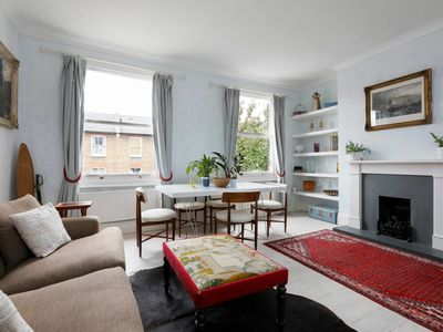 Photo for Charming 2 bed flat in Hammersmith (sleeps 4)