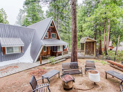 Inviting rural cabin w/modern design & near outdoor activities - dogs ok!