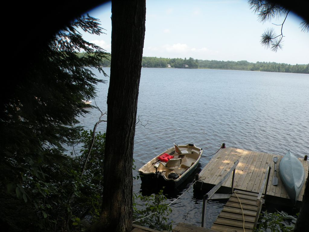 Life is Better at the Lake!  Lake Pemaquid Lakefront Cottage