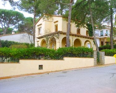 Photo for Holiday house Llafranc for 9 persons with 4 bedrooms - Villa