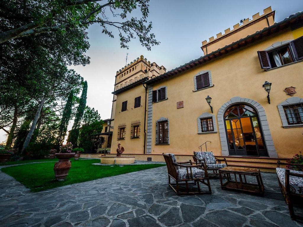 Large And Beautiful Holiday House In Tuscany For 10 Persons With Swimming Pool Monterappoli