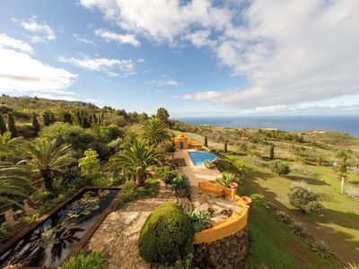 Photo for Unique villa with a fantastic 180 ° sea view. Spectacular pool terrace.