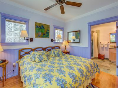 Photo for Iris's Cozy Daybed, Bright Colors and Beautifully Tiled Shower is your Sanctuary