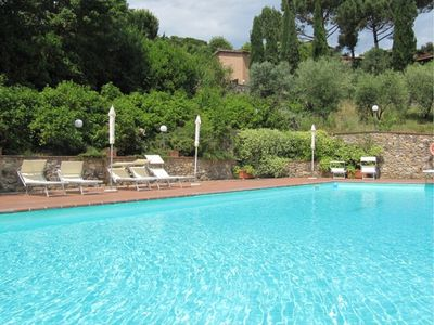 Photo for Casa Argo C is an elegant and welcoming two-story independent house situated a few miles from the historic center of Siena. It features a shared swimming pool, a private patio, a private garden, winter heating and WI-FI Internet access.