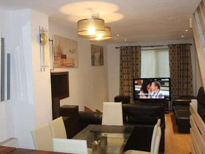 Photo for Beautiful 2 Bed Apartment