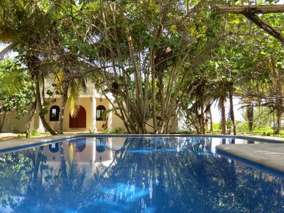 Enjoy the tropical private swimming pool
