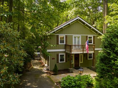 Photo for Chalet near Boone, Blowing Rock. Private, Spa, WIFI, Level entry, King, Dog Park