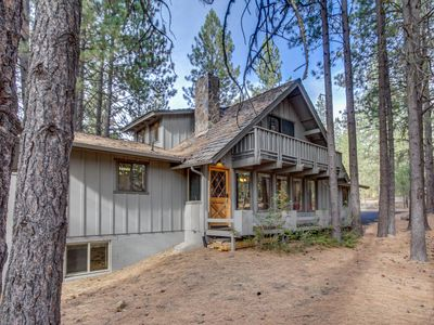 Photo for Rustic, dog-friendly cabin w/ private hot tub, game room &  SHARC passes