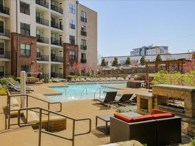 Photo for Bedroom 111 m from the center of Nashville with Internet, Pool, Air conditioning, Lift (698115)