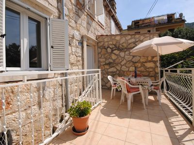 Photo for Cozy apartment close to Vis centre and port