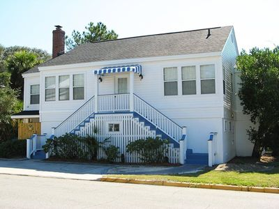 #19 13th Street - A Great Tybee Beach House in a Terrific Location -FREE Wi-Fi