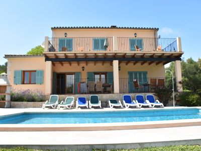 Photo for Charming Villa, Hot tub, enclosed gardens, pool, air con, WiFi, Licence ET3338.