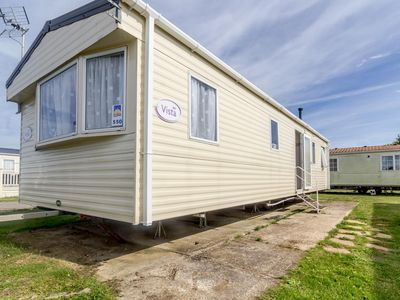 Photo for 8 berth static caravan for hire at Seawick holiday park in Essex ref 27550S