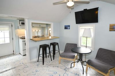Spacious, yet cozy, Baby Love Shack, is just 5 minutes to music, arcades & restaurants!