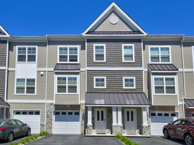 Photo for 36985 Turnstone Circle - Stunning town home. Community pool. Access to Junction Breakwater Trail. 3 bed 4 bath. Off street parking. Sleeps 8. ** Includes Sheets & Towels in 2020 **