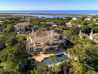 Photo for Exclusive Villa In The Heart Of Quinta Do Lago, Algarve