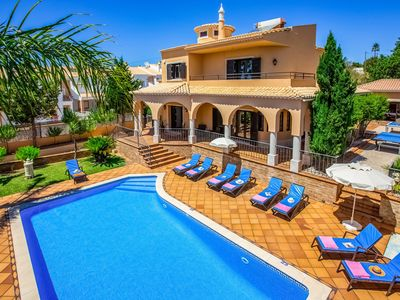 Photo for LUXURY VILLA WITH SWIMMING POOL 600M FROM GALÉ BEACH