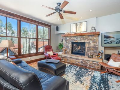 Photo for 2 Bedroom, 2 bath condo offers convenience and luxury for your mountain getaway. Ski, shop & dine.