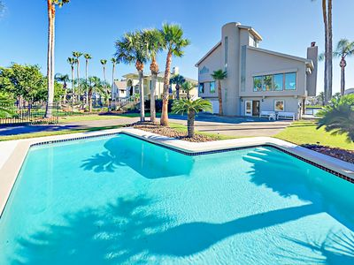 Photo for Canal-Side 4BR/4BA w/ Private Pool & Dock, Balconies & Bay Views - Near Beach
