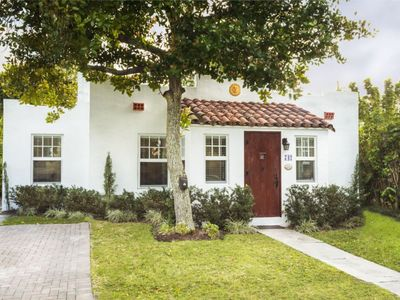 Photo for Beautiful Historic Cottage with Private Pool minutes from Downtown District