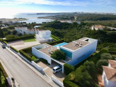 Photo for Villa with heated pool and sea view