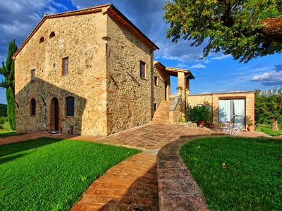 Photo for Private Villa with hot tub, WIFI, private pool, TV, panoramic view, parking, close to San Gimignano