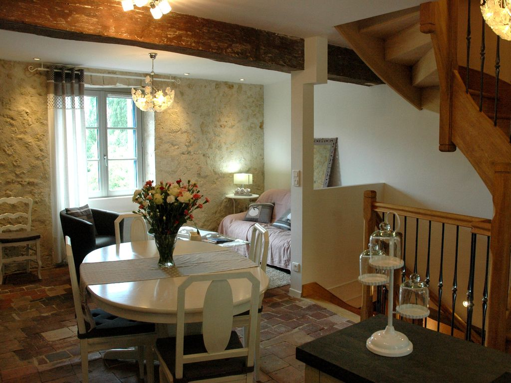House in the city center next to the Clos Lucé Rates 3/6 nights see owner