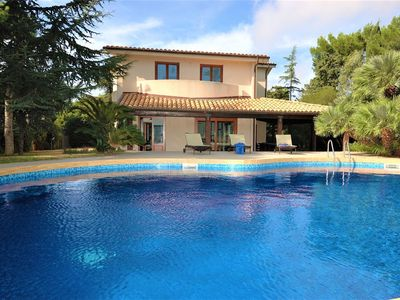 Photo for Superb, luxurious, spacious villa with privatepool and spacious garden near sea.