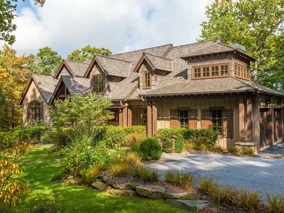 Photo for Spacious 5BR/5.5BA Mountaintop Estate – Close to Hiking Trails &  Waterfalls