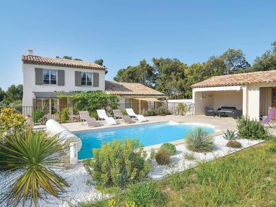 Photo for 4BR Villa Vacation Rental in St. Remy de Provence