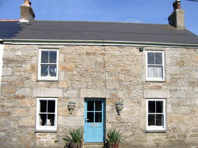 Photo for CLOVELLY COTTAGE, pet friendly in Mousehole, Ref 976557