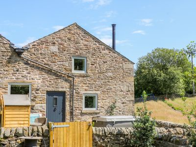 Photo for Overlea Cowshed, HAYFIELD