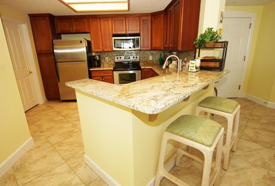 new kitchen with granite bar area, new stainless steel dishwasher (9/2018)