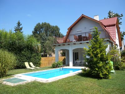 Photo for Holiday house with garden and pool only 100 meters from the beach