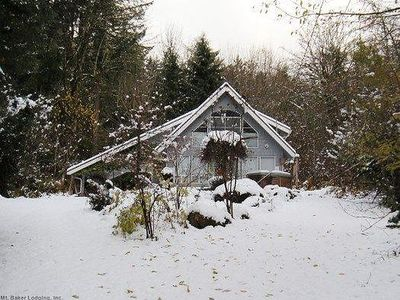 Photo for Vacation home 39GS Cabin near Mt. Baker w/ WiFi in Mount Baker/Glacier - 6 persons, 2 bedrooms
